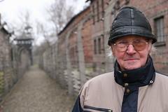 4_JERZY Y CYLA_Jerzy en Auschwitz febrero de 2008