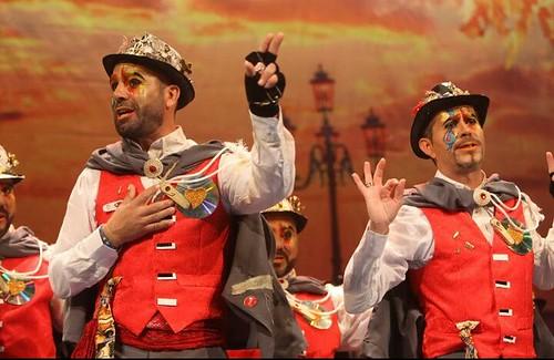 Comparsa Los destronados en el teatro Falla de Cádiz