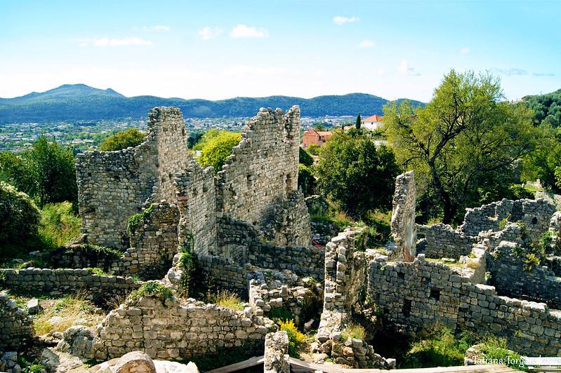 Вид на старобарские руины. Центральная часть Старого города