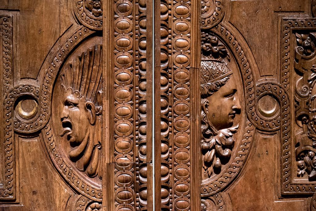 Paire de portes aux chiffres d'Henri II et de Catherine de Médicis (Clermont-Ferrand, c. 1557, noyer) — musée du Louvre (Paris, France)