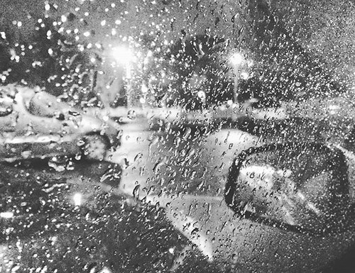 Chove. #Coruña #traselcristal #rain #phonephoto #b&w