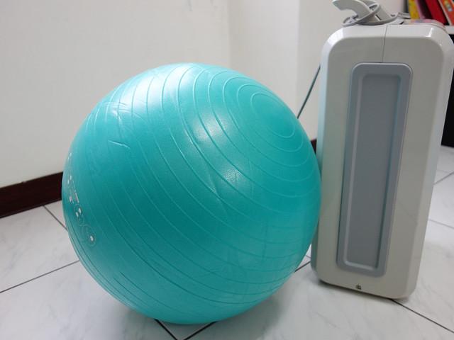 比例尺@迪卡儂DOMYOS防爆瑜珈球