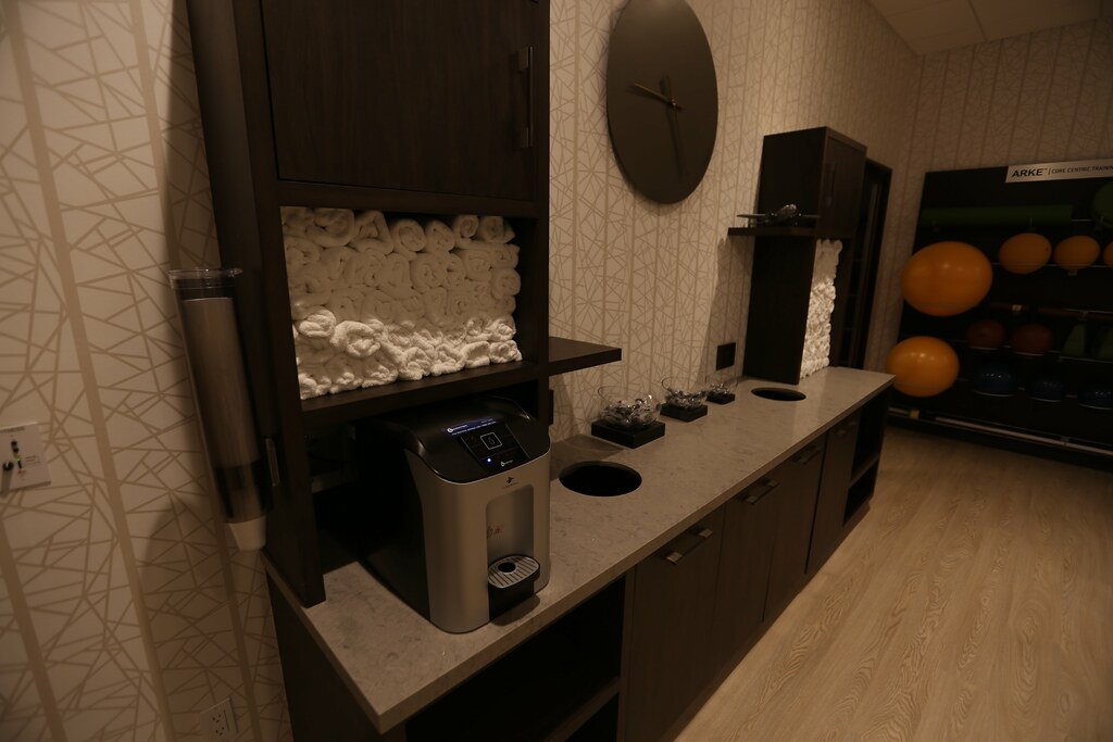 Hilton H Hotel LAX 39