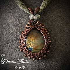 Queen's Autumn Garden - Labradorite and Woven Copper Wire Necklace