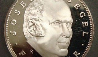 Joe Siegel medal obverse