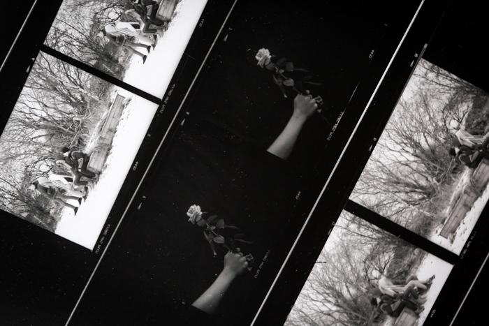 analoginen valokuvaus pimiötyöskentely pinnakkaiset _