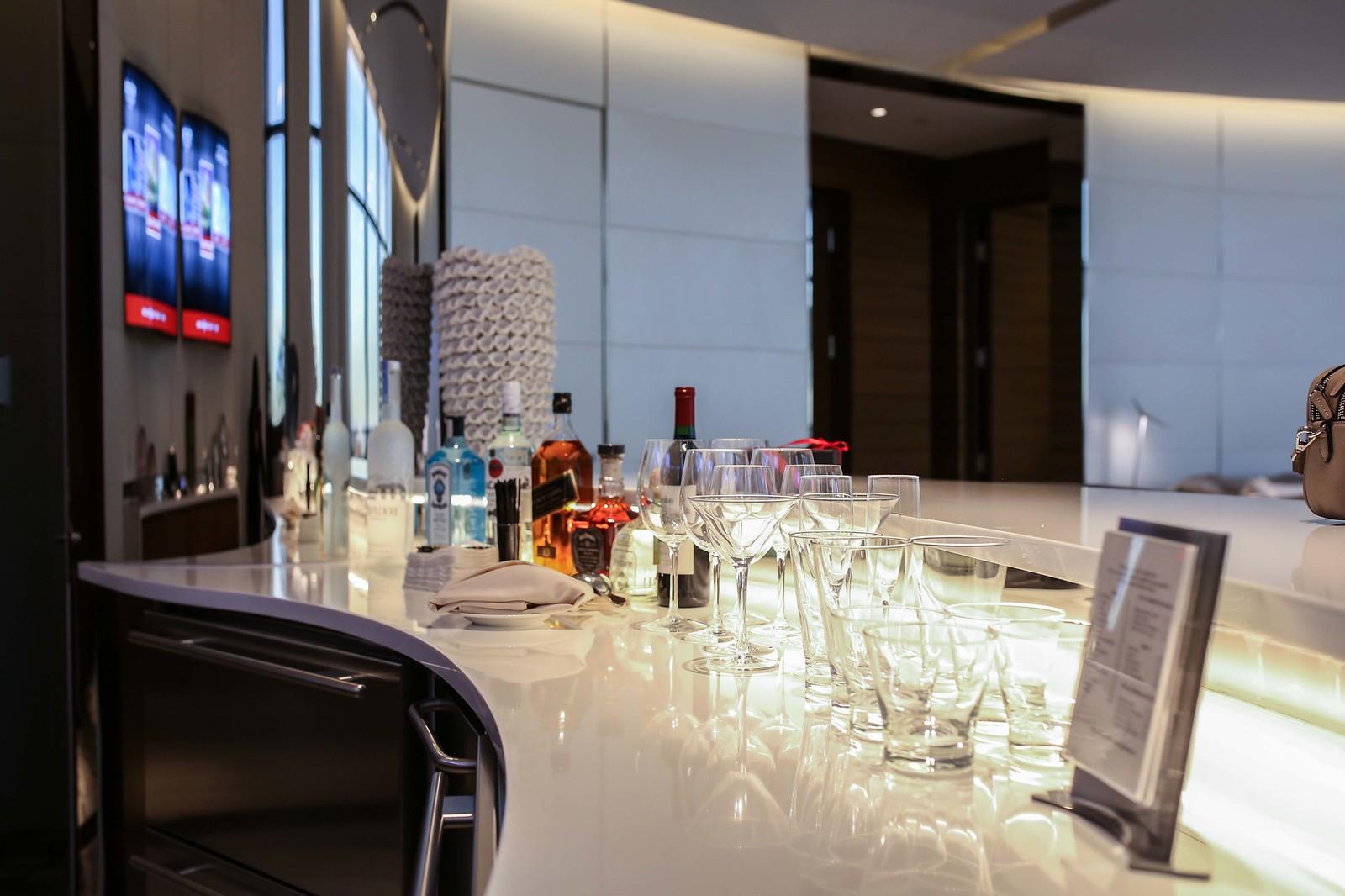 red rock resort suite bar