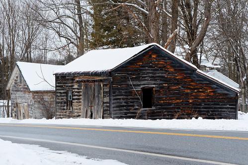 barn weathered weatherbeaten weatheredbarn winter winterlandscape snow snowcoveredroof rural saratogacounty road overcast capitaldistrict newyork outdoor pentax pentaxart k70 kmount hdpentaxda1685mmlens milton westmilton