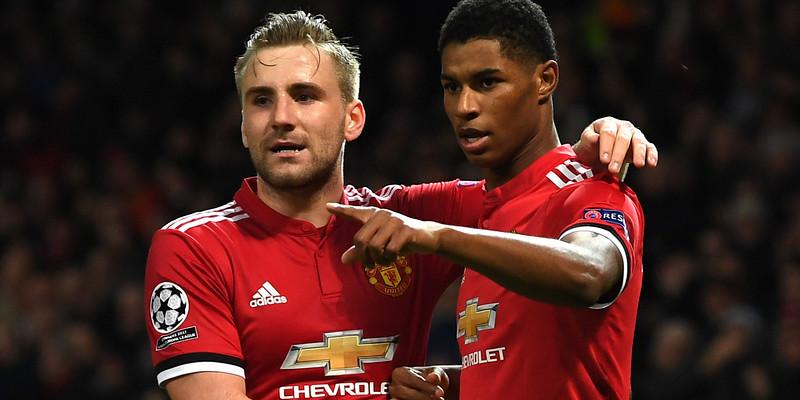 http://cafegoal.com/berita-bola-akurat/mourinho-memberi-shaw-kontrak-baru/