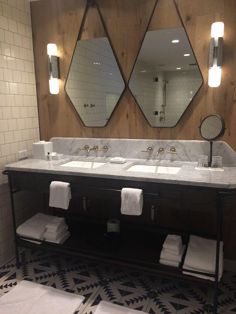Suite 701 Bathtub at the Thompson Nashville