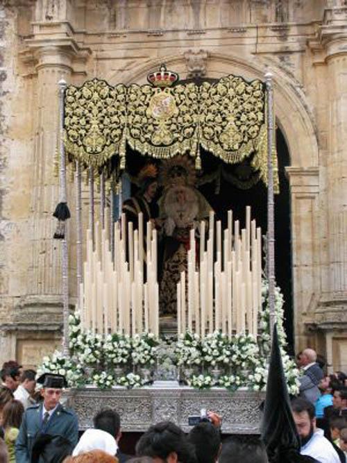 Real e Ilustre Hermandad de Nuestro Padre Jesus de la Corononación de Espinas, María Santísima de la Esperanza y San Juan Evangelista.