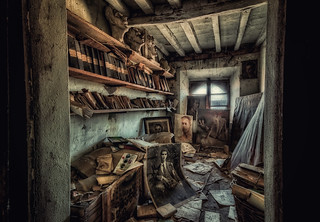 Abandoned painter's house... fragilimemorie.com