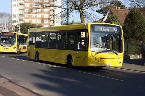 Yellow Buses 522 YX12AEO