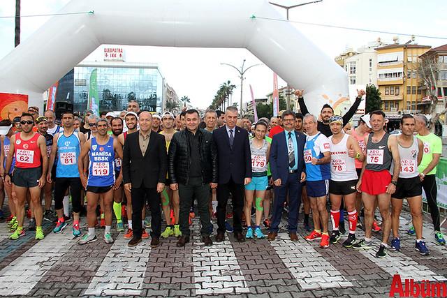 'Atatürk'e Koşalım, Atatürk'le Koşalım' sloganı ile düzenlenen 18. Alanya Atatürk Yarı Maratonu ve Alanya Halk Koşusu -2