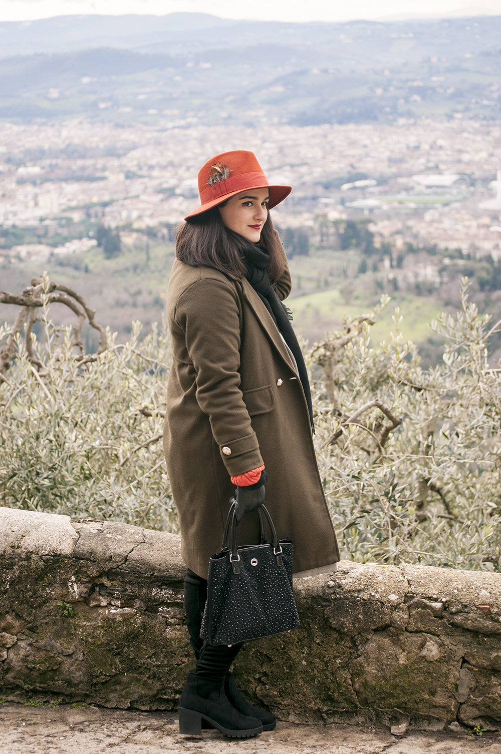 somethingfashion, firenze italia spain valencia blogger, fashionblogger hat outfit winter, tuscany fiesole views, hugoboss max mara diffusione tessile vintage