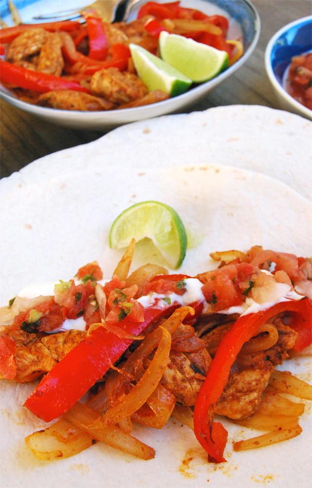 Homemade Chicken Fajitas #fajitas #chicken#mexican #weeknight