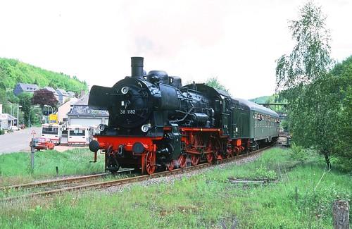 DR 38 1182 (ex K.P.u.G.H.St.E. P 8 2421 Frankfurt; BMAG 1910) DB-Museum