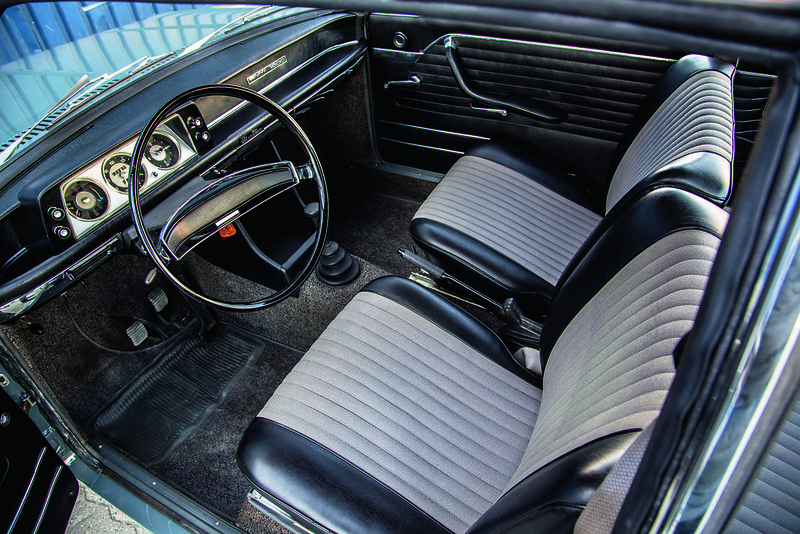 BMW 1600-2 interior.
