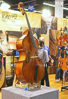 Double basses (3)