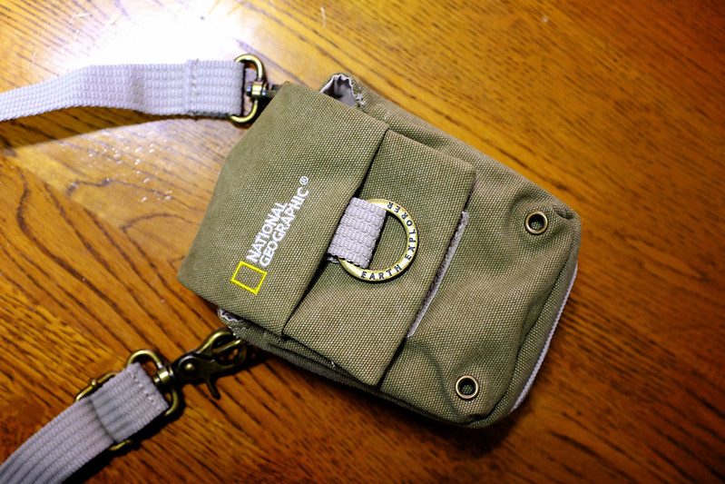 NATIONAL GEOGRAPHIC Medium Pouch NG 1153