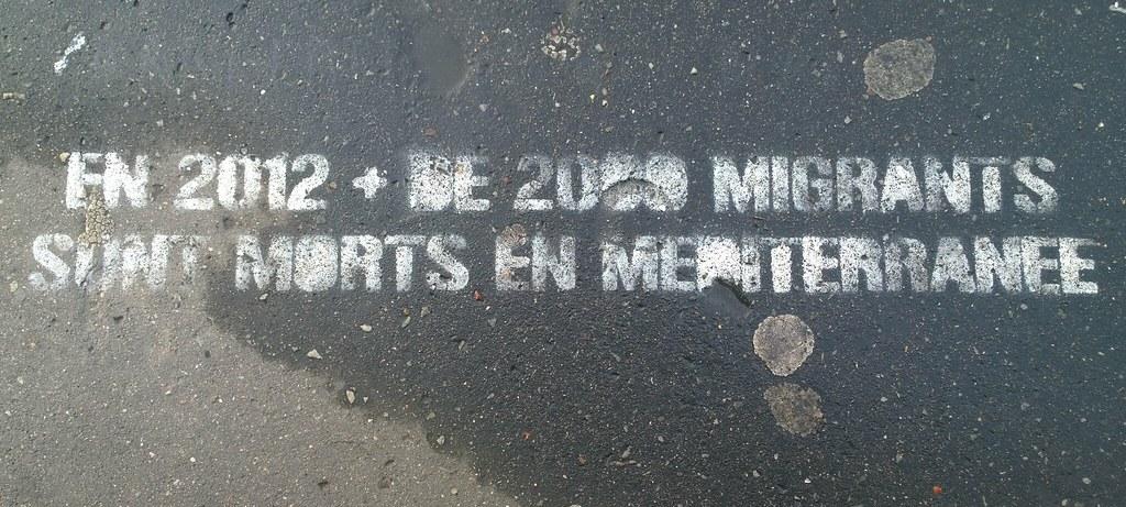 """En 2012, plus de 2000 migrants sont morts en Méditerranée"""", Paris, Bibliothèque nationale, 2014. CC BY SA Denis Bocquet"""