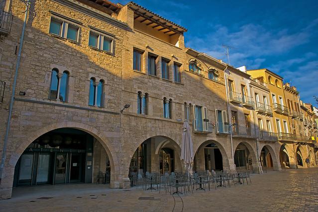 Els porxos de Banyoles / Banyoles main square