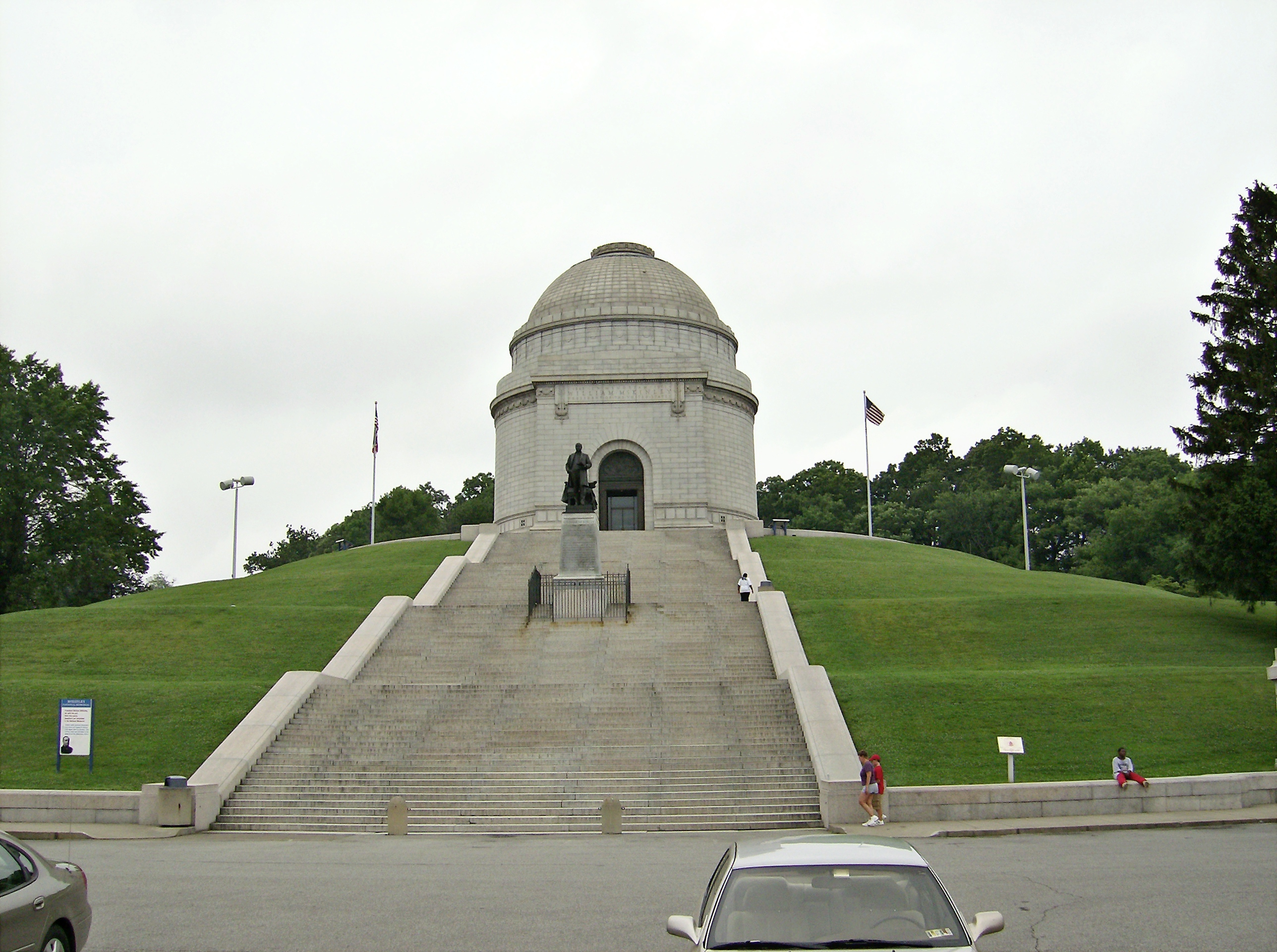 Grave of US president William McKinley. McKinley National Memorial, Canton OH. Photo taken on June 27, 2006.