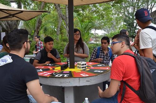 Alumnos de las Carreras de Diseño Gráfico y Arquitectura desarrollan proyecto de Escaparate en la FADU.