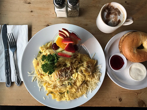 Gilbert's on Main - Best Breakfast Restaurants in Bellevue | Bellevue.com