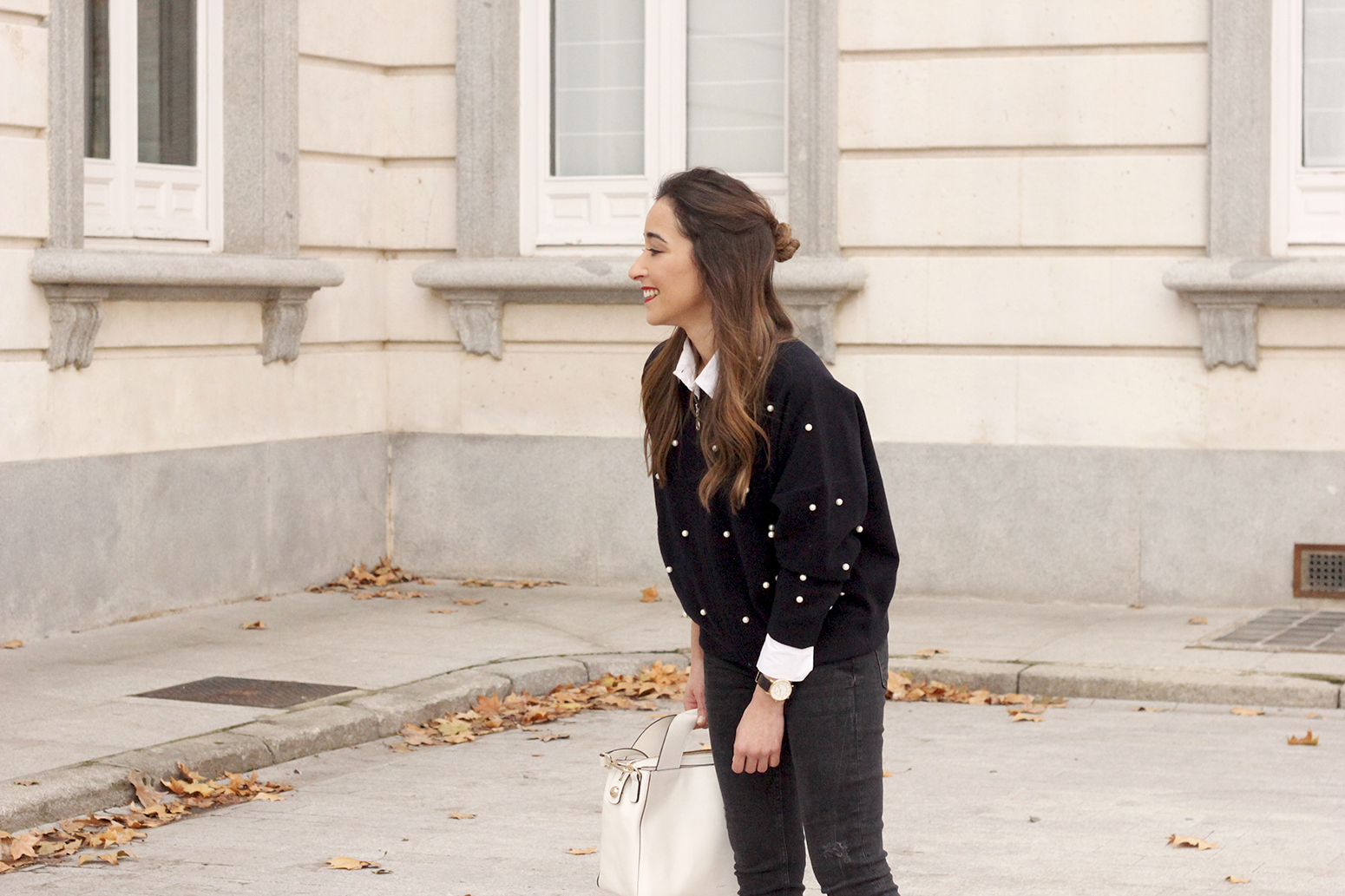 pearl bomber uterqüe black jeans white bag winter outfit 2018 style fashionbomber08