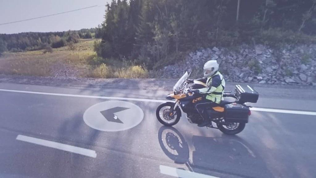 I've been following you for hours. Goodbye. #ridingthroughwalls #xcanadabikeride #googlestreetview #ontario
