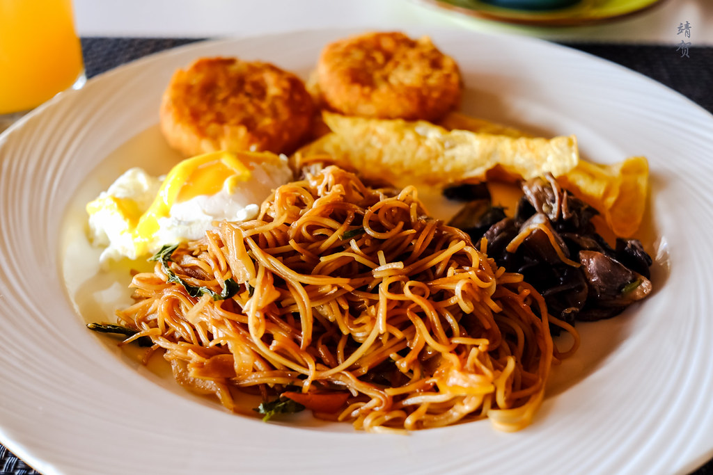 Fried noodle platter from the buffet