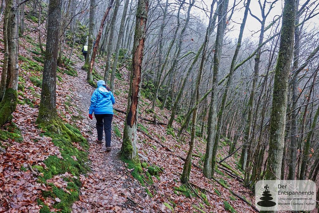 Wandern über der Strotzbüscher Mühle