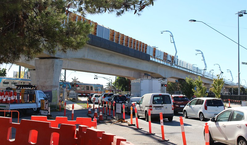 Noble Park skyrail under construction: Heatherton Road