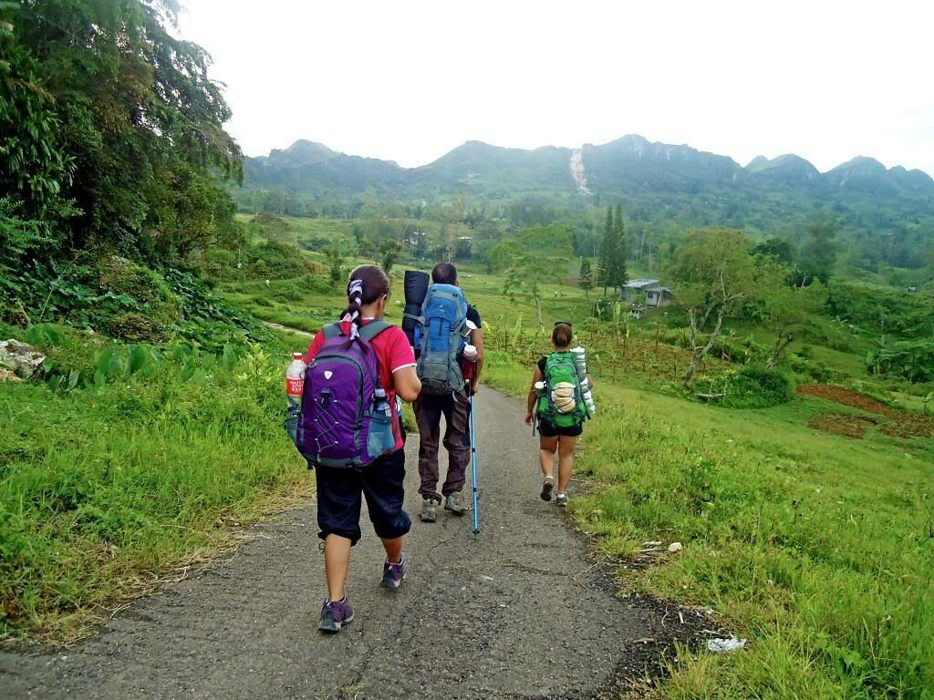 start the hike