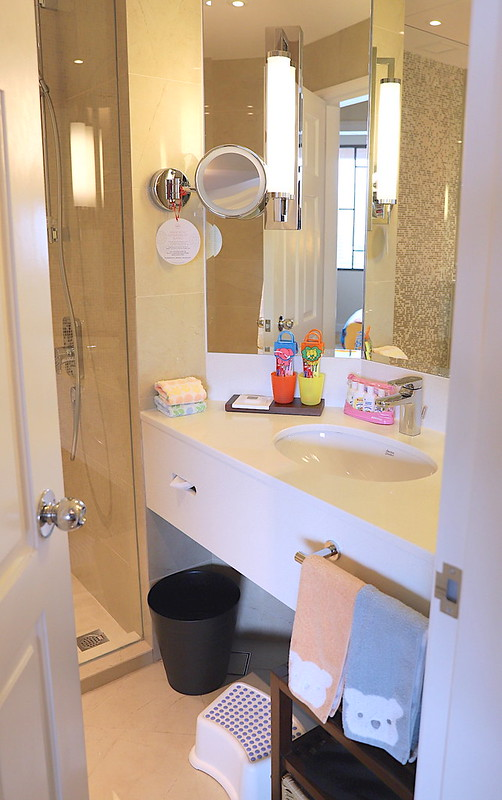 Kids bathroom with amenities at Swissotel Merchant Court Singapore