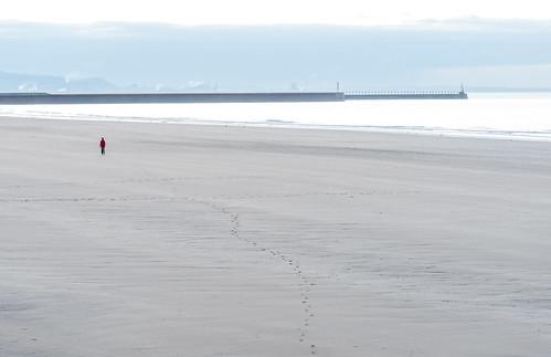wales footprints sand sunrise solitude emptybeach swanseabay swansea expanseofsand dawn sea