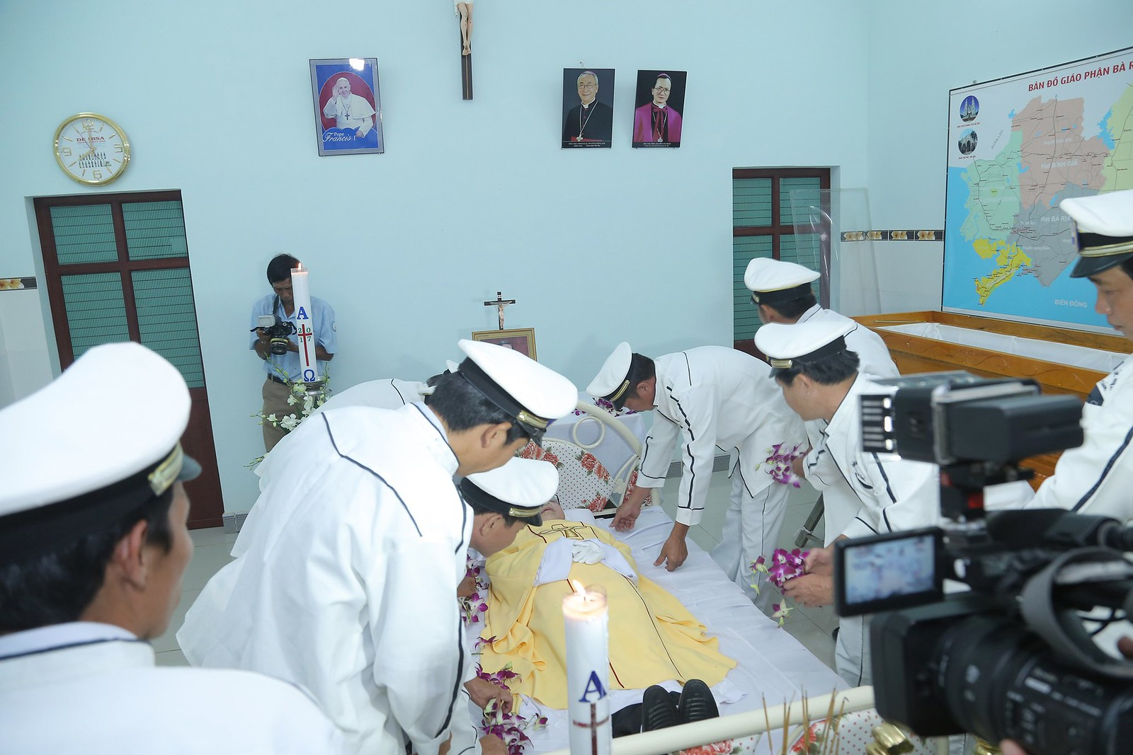 Cầu nguyện cho linh hồn Cha Giuse Đặng Đình An, Cha qua đời vì tai nạn giao thông - Ảnh minh hoạ 17