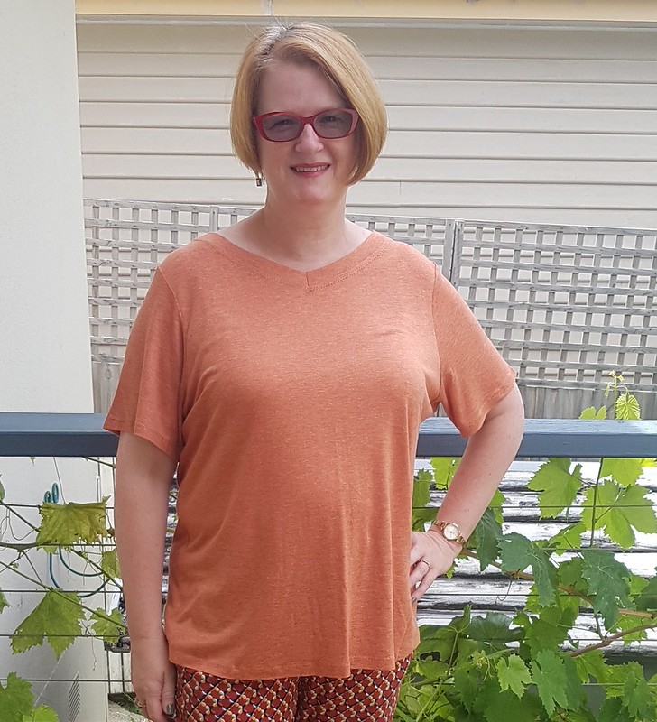 Crafty Mamas One Perfect Tee in thin soft marl viscose knit
