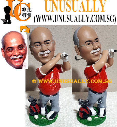 Custom 3D Big Size Male Golfer In Red Polo Figurine - © www.unusually.com.sg