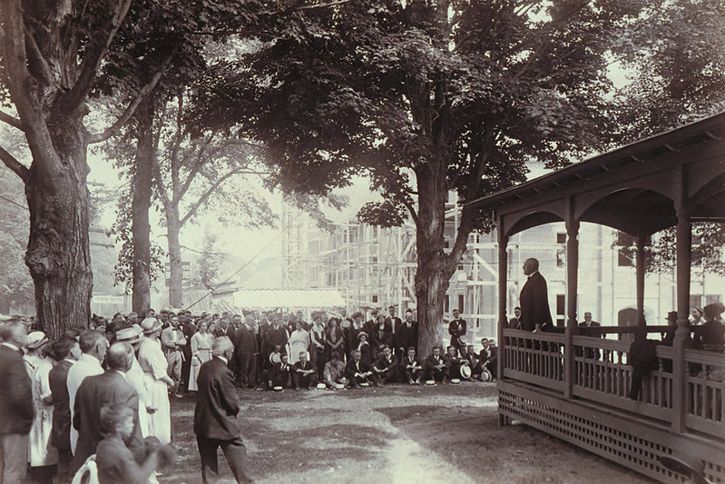 Dedication Of Holcomb Hall, Connecticut Agricultural College