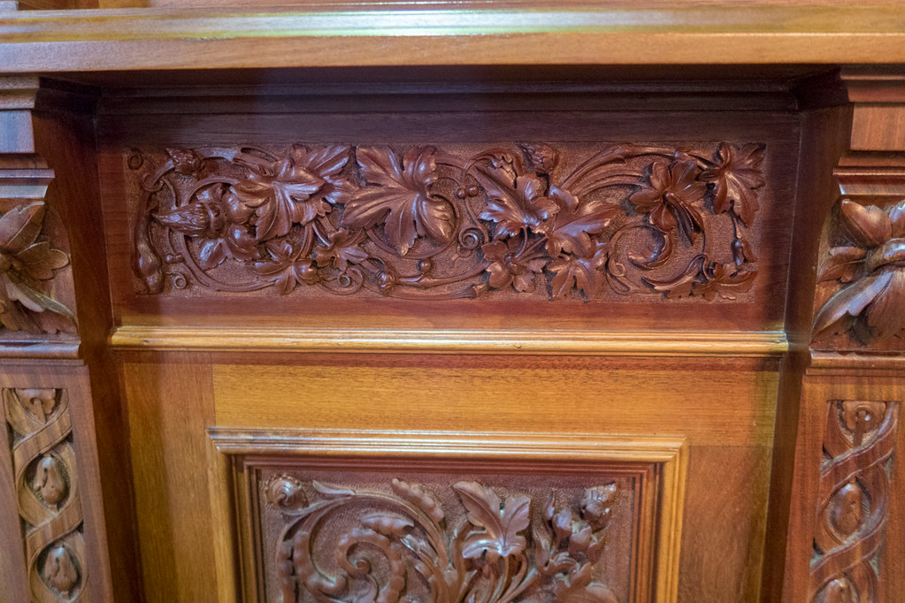 Wood carvings in Iowa Supreme Court Chamber