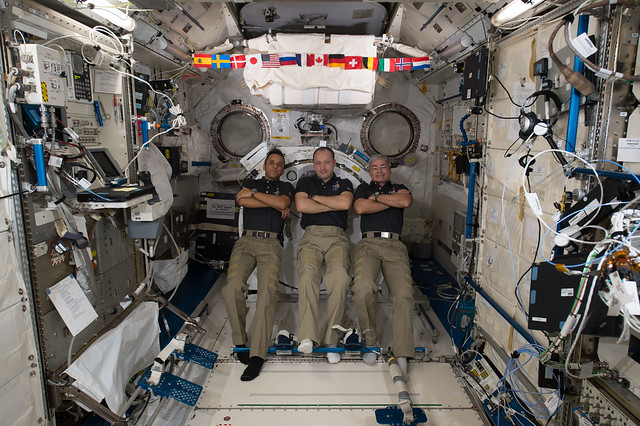 Expedition 53 Crew Members in the Kibo Lab Module