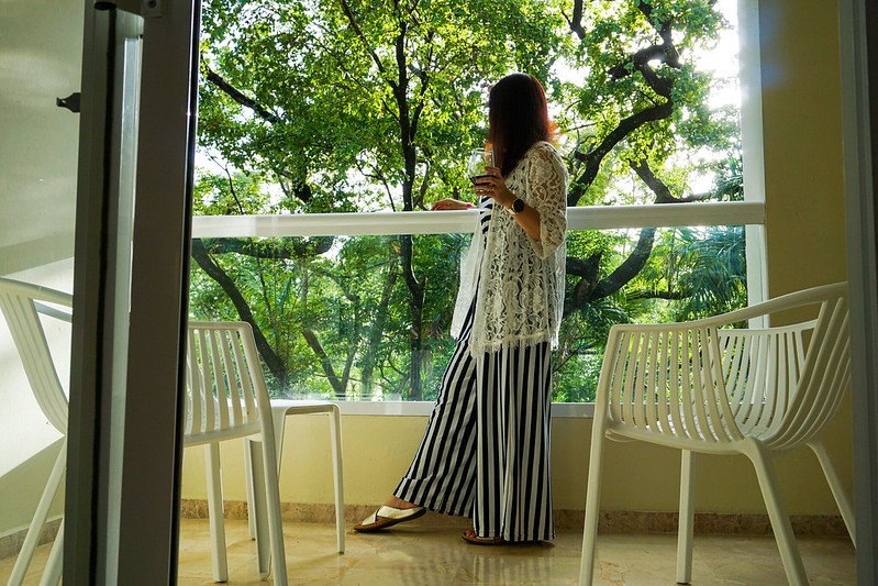 blue-white-stripe-jumpsuit-lace-kimono-wine
