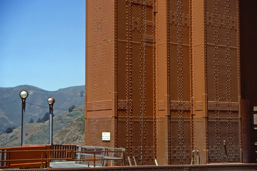 Golden Gate Bridge Tower - 1985 (1)