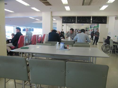 金沢競馬場のレストホースピアの座席