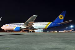 UR-GOA  B777-2Q8(ER)  Ukraine International Airlines