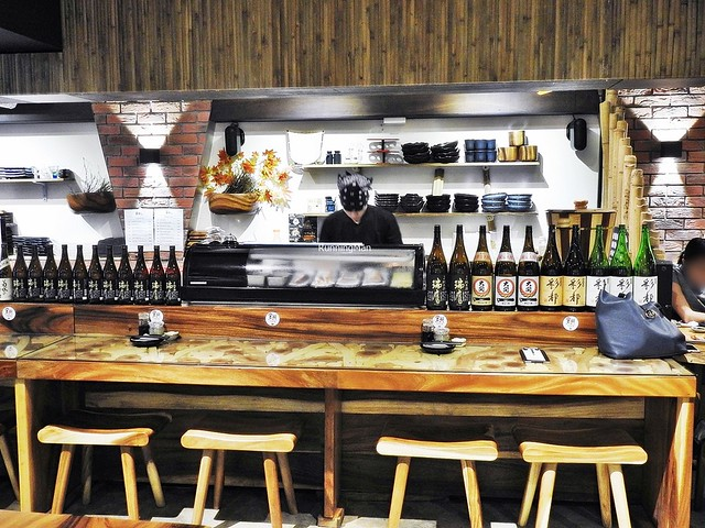 Open Kitchen & Bar