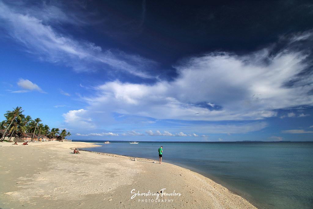 the beachfront at Budyong Beach Resort
