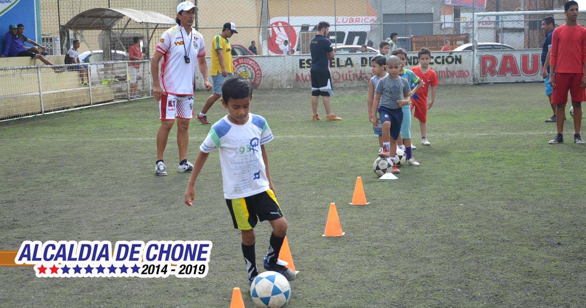 Walter Guadamud y sus futuras estrellas futbolísticas